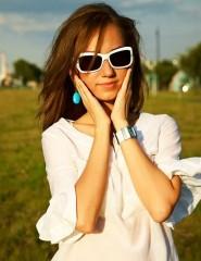 Картинка девушка в солнечных очках на телефон (фотография) ( 22243) b279d0abf48